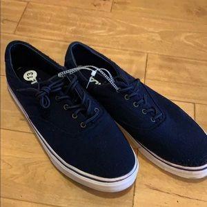 Brand new Navy Fila Sneakers